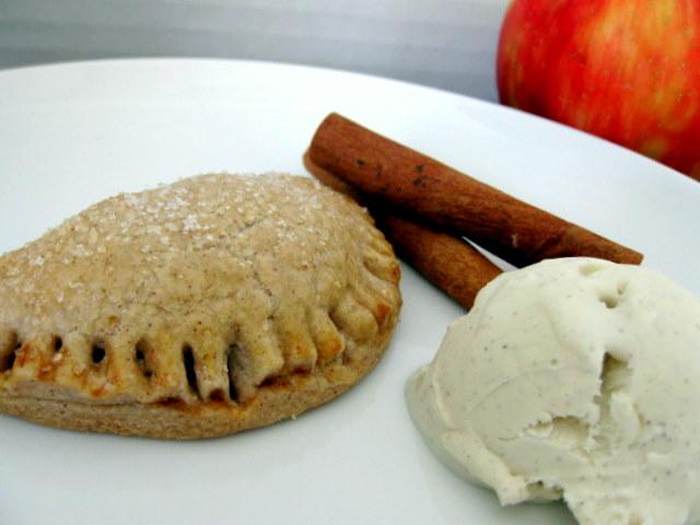 Cinnamon Apple Pie Pockets | Cookie Talk